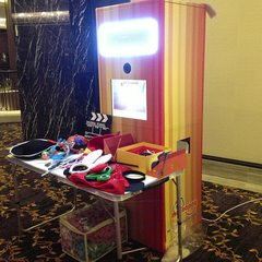 mySnappy Photo Booth - this is how our booth looks like wiht a table of props!