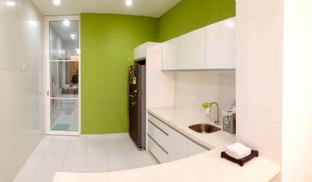 minimalist - clean dry kitchen
