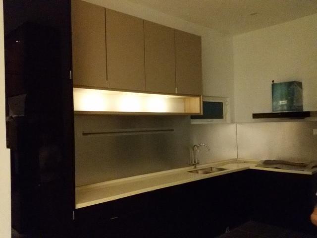kitchen cabinet with eyebal