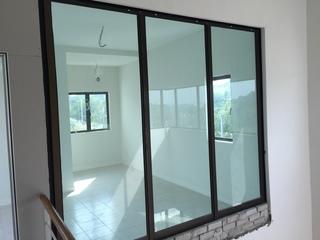 Nilai - glass partition