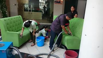 Medium sofa cleaning 3