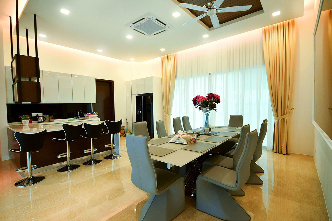 An Elegant and Luxurious Bungalow on Jalan Topaz, Shah Alam by Hatch Interior Studio Sdn Bhd - 3D Design Modern Classic Above 2400 sqft Semi-D / Bungalow Walk-in-wardrobe Living Dining Kitchen - Recommend.my