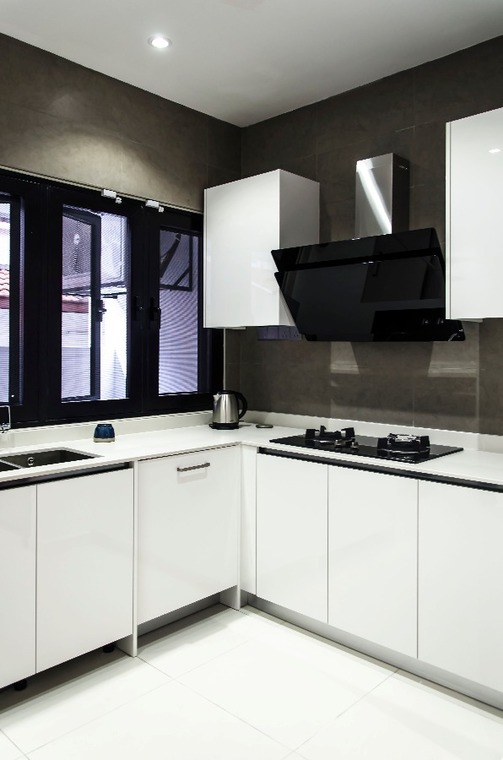 Sunway SPK by Movent Design - Completed 1800 - 2400 sqft Link house / Townhouse Bathroom Walk-in-wardrobe Dining Kitchen Cabinet Modern Contemporary Carpentry Flooring 3D Design Wallpaper Paint Kitchen Cabinet Curtain Lighting Electrical Wardrobe TV Cabinet / Console - Recommend.my