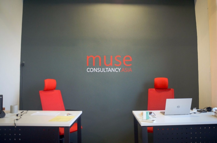 Muse Asia Consultancy @ Menara K1 by EzyOffice - Completed Inspirations Ideas Below 800 sqft Office Meeting Rooms Office Small Kitchen Modern Contemporary Paint Kitchen Cabinet Furniture Glasswork Artwork - Recommend.my