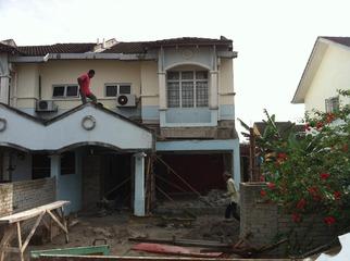 demolition process of basic home