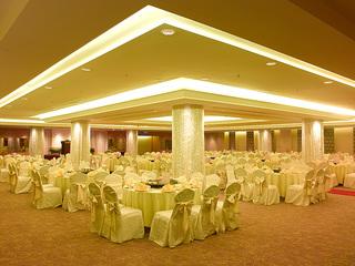 Medium 2011 12 hem ballroom banquet2 b