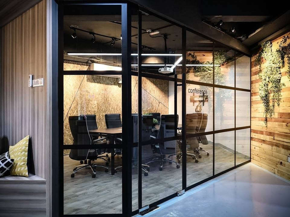 Ideagen l USJ by Double Art Design Studio - Completed Above 2400 sqft Office Office Reception Bathroom Pantry Industrial - Recommend.my
