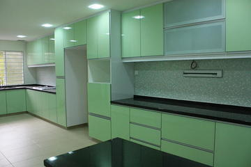 3G kitchen cabinet with laminated penal