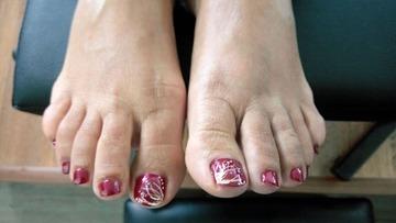 Medium feet