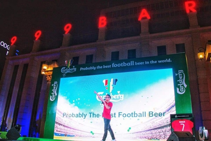 Carlsberg Football Viewing Party, 999 Bar