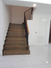 Laminate flooring staircase