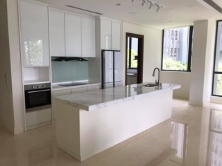 Customised kitchen island & kitchen cabinet.