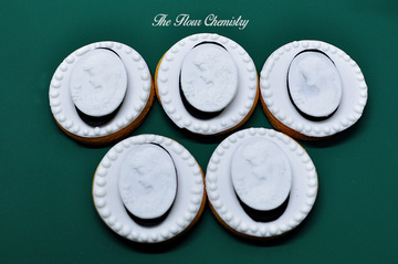 Lady Cameo Icing Cookie