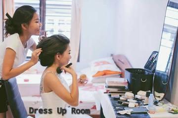 Dress Up Room - Makeup Artist